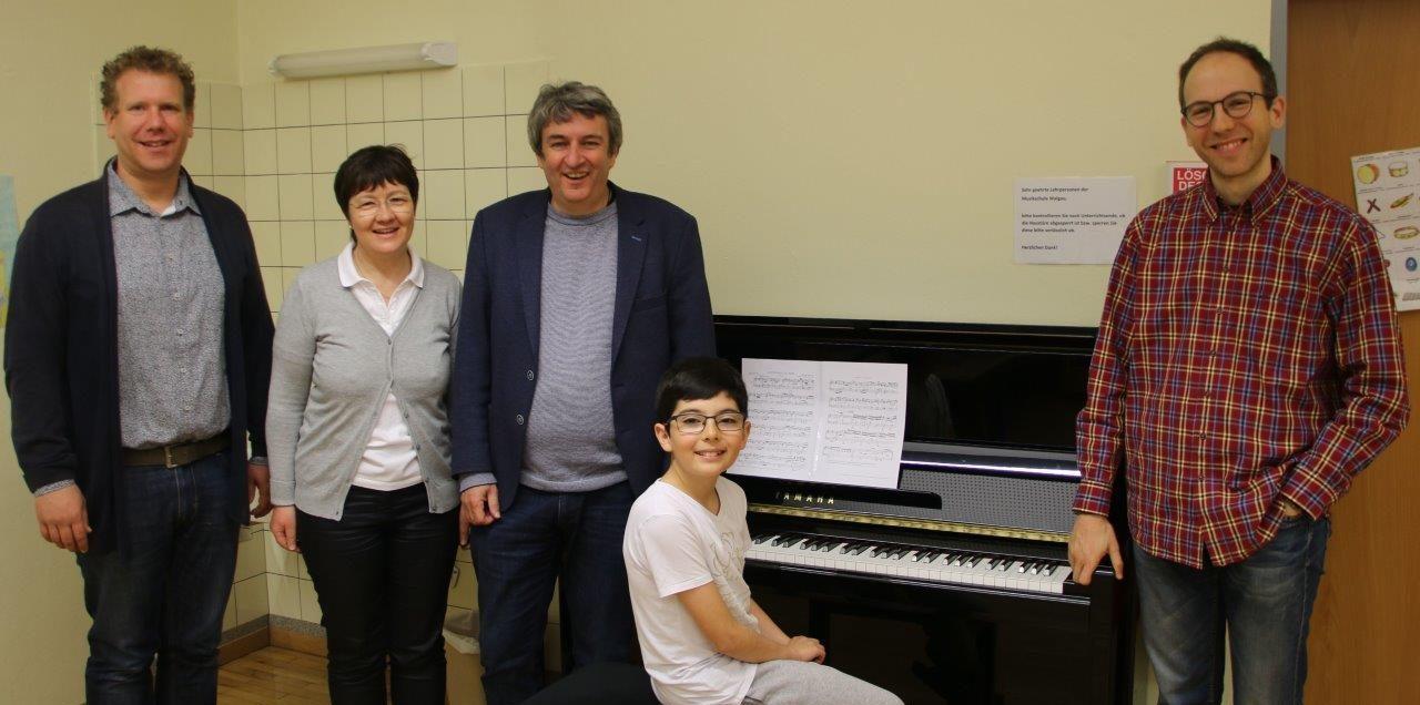 Neues Klavier in Bludesch
